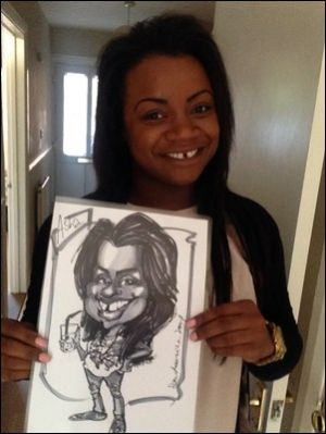 Sara Louise - Caricaturist - Party Hire - Artist