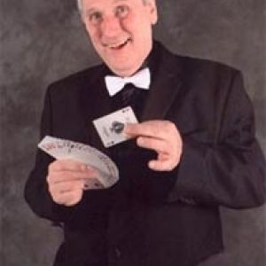 Phil Perry - Close up Magician - Cabaret Magician
