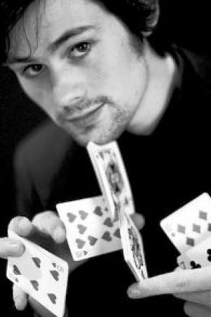 Robert Gough - Close Up Magician - Slight of Hand Magician