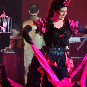 Romany - Diva of Magic - Cabaret Performer - Close Up Magician